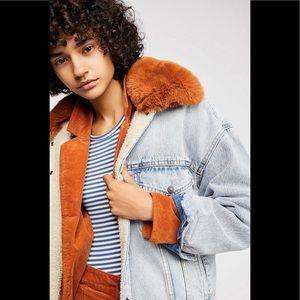 Levi's Oversized Sherpa Trucker Jacket Faux Fur